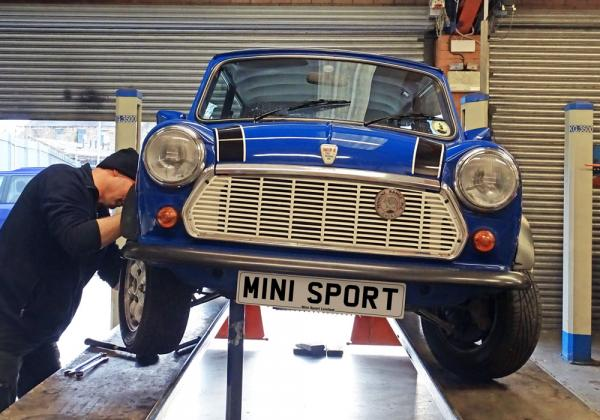 Warning Signs that your Mini Needs a Service